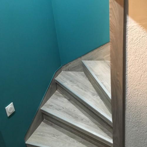 Habillage d'un escalier d'accès aux combles