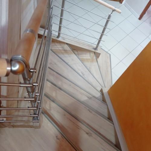 rénovation escalier rustique
